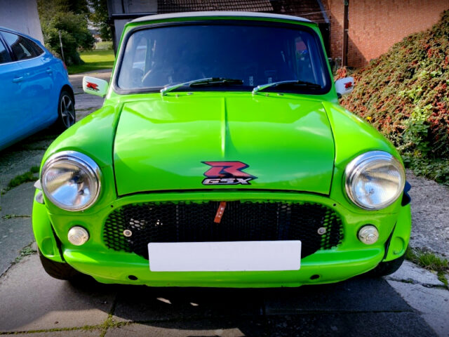 FRONT FACE of ROVER MINI COOPER.