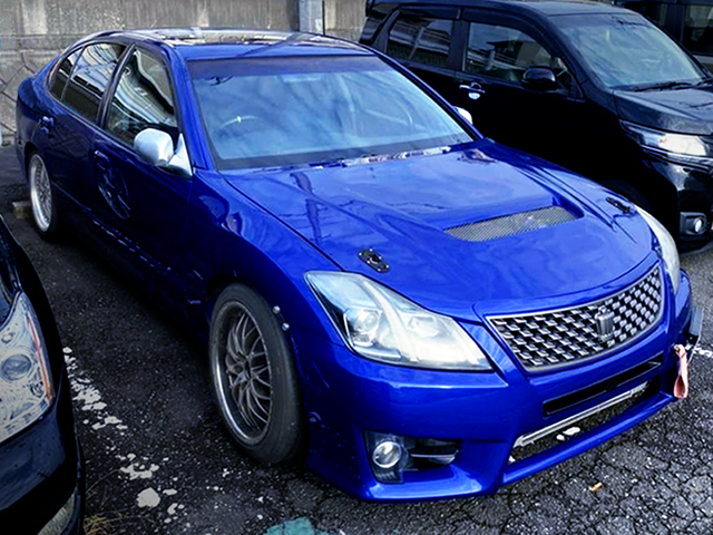 FRONT RIGHT EXTERIOR of JZS161 ARISTO with 200 CROWN FRONT END CONVERSION.