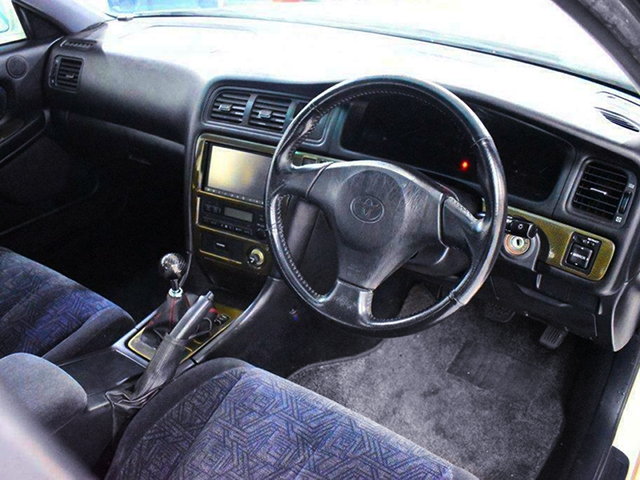 DRIVER'S DASHBOARD of JZX100 CHASER.