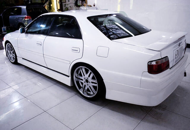 REAR EXTERIOR of JZX100 CHASER.