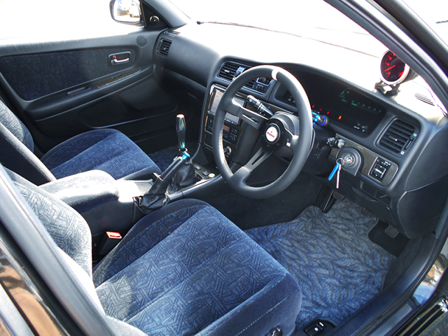 DRIVER'S SIDE INTERIOR of JZX100 CRESTA EXCEED G.