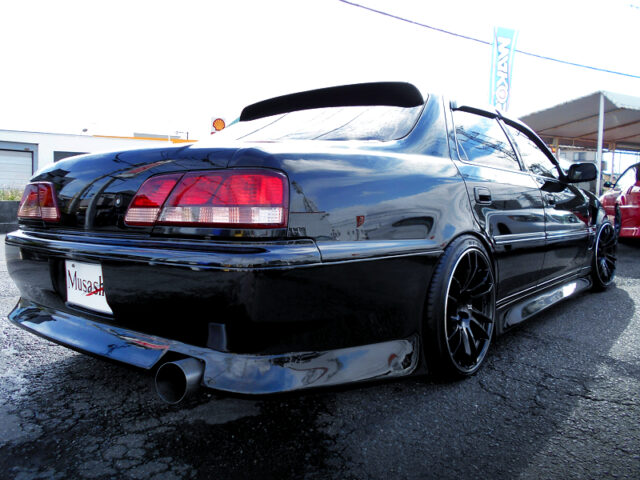 REAR EXTERIOR of JZX100 CRESTA EXCEED G.