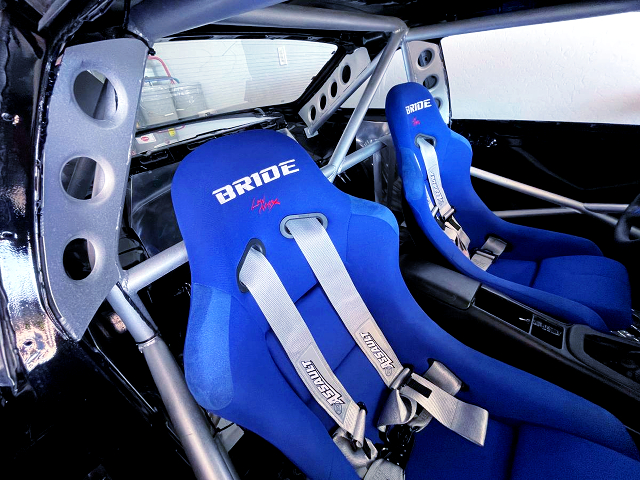 BRIDE SEATS and ROLL CAGE.