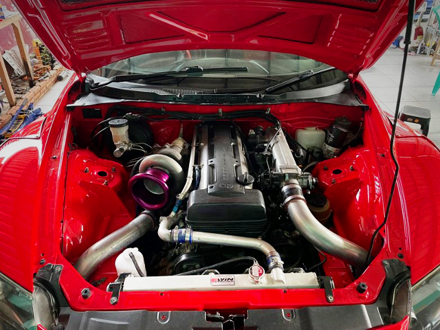 2JZ-GTE 3.0L with AFTERMARKET SINGLE TURBO.