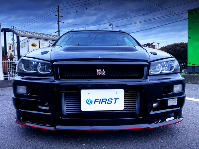R34 GT-R FRONT FACE of WGNC34 STAGEA EXTERIOR.