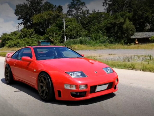 FRONT EXTERIOR of Z32 NISSAN 300ZX.
